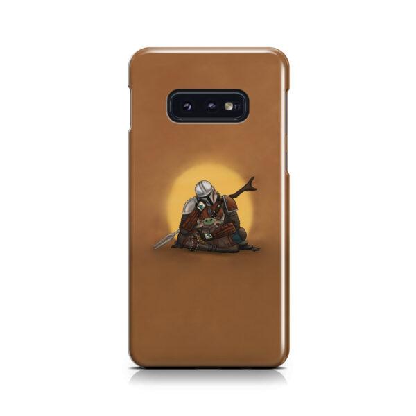 Baby Yoda and The Mandalorian for Premium Samsung Galaxy S10e Case